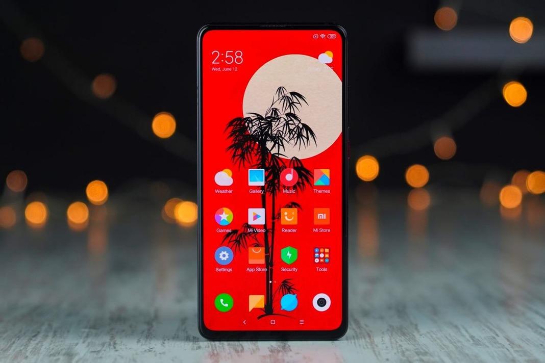 Xiaomi CC9 выглядит лучше Samsung Galaxy S10, а стоит в четыре раза дешевле
